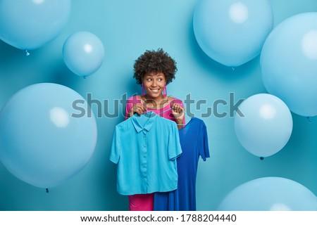 mosolygó · nő · kockás · póló · friss · kint - stock fotó © studiolucky