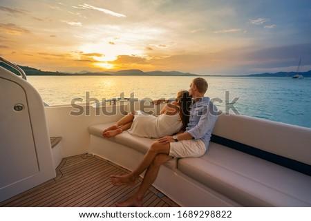 Iate barco estilo de vida casal relaxante navio de cruzeiro Foto stock © Maridav