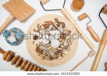 Aromás szárított növénygyűjtemény masszázs szatyrok gyógynövények fából készült Stock fotó © boggy