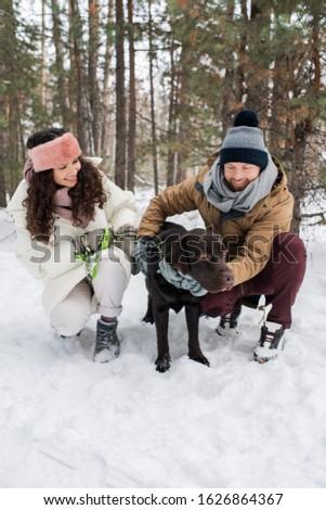 Feliz jovem datas sessão preto Foto stock © pressmaster