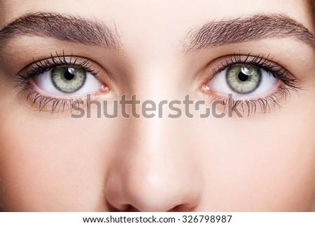 Fiatal gyönyörű nő nap smink zöld pisztácia Stock fotó © zastavkin