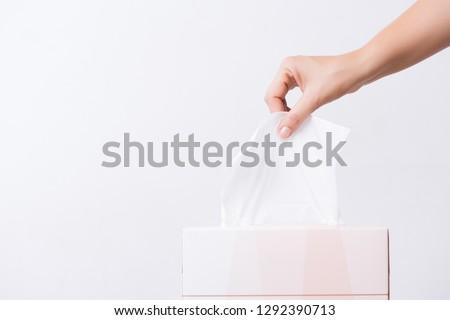 Primo piano immagine femminile mano fuori tovagliolo Foto d'archivio © deandrobot