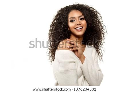 mooie · afrikaanse · vrouw · lang · krulhaar · paars - stockfoto © deandrobot