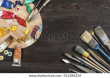 Szett különböző olaj festék sötét fa asztal Stock fotó © Sibstock