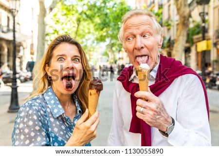 Stockfoto: Portret · gelukkig · senior · vrouw · eten · ijs