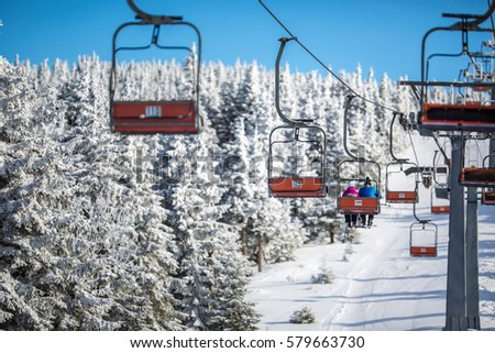 Esquiar elevador transportado para cima colina ensolarado Foto stock © lightpoet