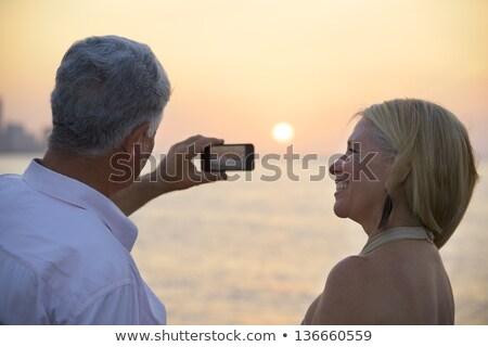 Női turista elvesz fotók Kuba fiatal felnőtt Stock fotó © diego_cervo