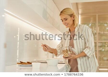 mooie · blonde · vrouw · luipaard · print · jurk · vrouw - stockfoto © wavebreak_media