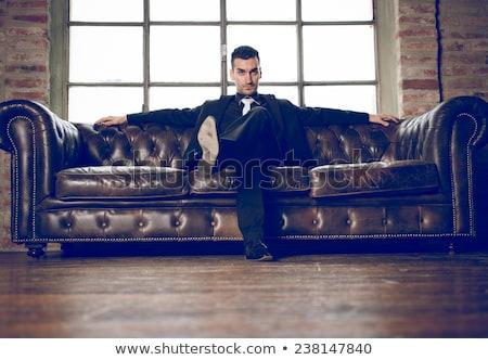 érzéki · nő · ül · asztal · klasszikus · borotva - stock fotó © nejron