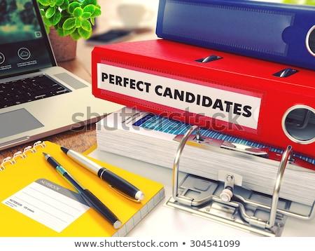 Perfect Rood kantoor map afbeelding werken Stockfoto © tashatuvango