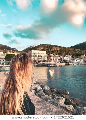 toeristische · vrouw · strand · zomervakantie · majorca · asian - stockfoto © lunamarina