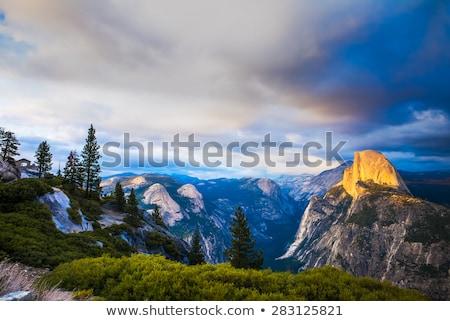 ヨセミテ国立公園 · カリフォルニア · 米国 · 山 · 石 - ストックフォト © capturelight