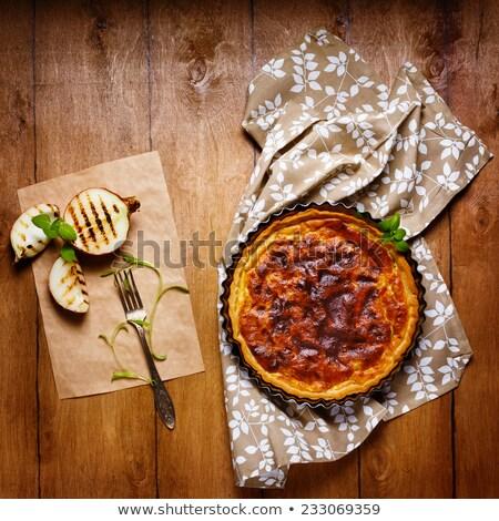 Tarte tarte servi grillés oignon fraîches Photo stock © dariazu