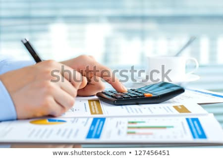 Gewinn Taste Rechner Stift Finanzierung Bericht Stock foto © your_lucky_photo