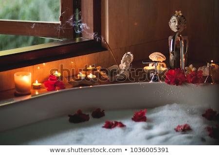 büyük · kırmızı · mum · çiçek · dekorasyon · yalıtılmış - stok fotoğraf © homydesign