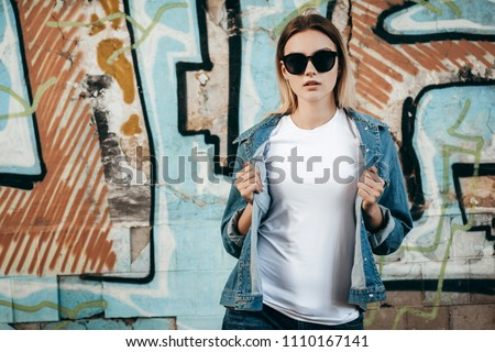 Portret mooie blonde vrouw denim shirt Stockfoto © feedough