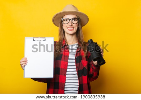portret · zakenvrouw · verrekijker · witte · werk - stockfoto © konradbak