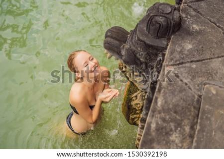 Genç kadın turist sıcak bali pirinç bahar Stok fotoğraf © galitskaya