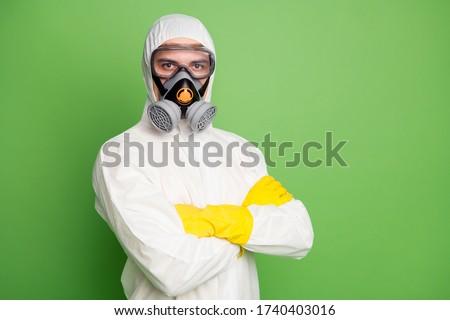 Man pak stofbril gasmasker geïsoleerd Stockfoto © feverpitch