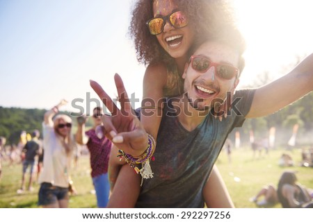 Foto stock: Group of happy friends having fun, with space to copy