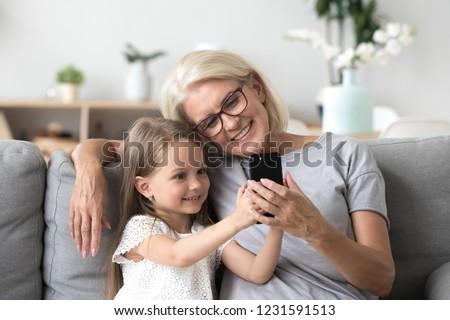 hermosa · niña · pato · cara · toma - foto stock © wavebreak_media