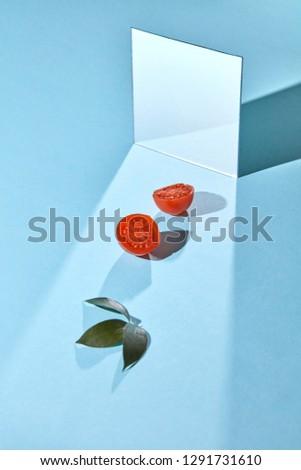 Twórczej pomidorów lustra pomidory podwoić całość Zdjęcia stock © artjazz