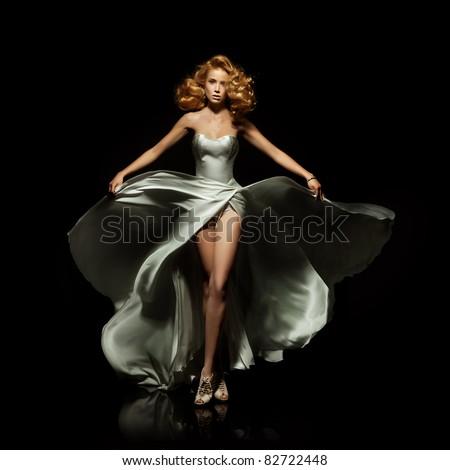 Gyönyörű fiatal nő hosszú estélyi ruha ül lépcső Stock fotó © Nejron