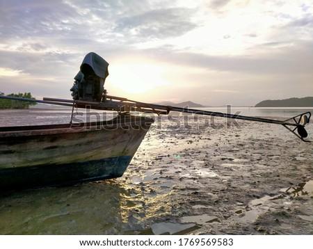 Ahşap tekneler deniz akşam güneş plaj Stok fotoğraf © Mps197