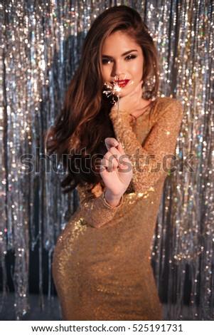 Mosolygó nő estélyi ruha áll ragyogó mosolyog csinos Stock fotó © deandrobot