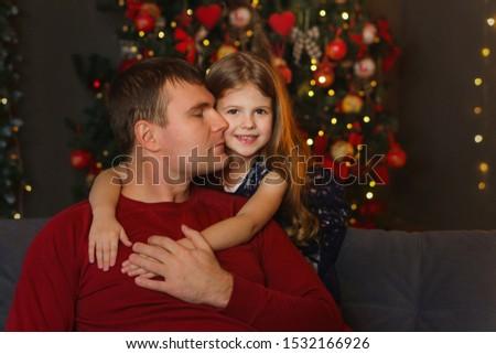 Yakışıklı baba sevgili çocuklar park Stok fotoğraf © konradbak