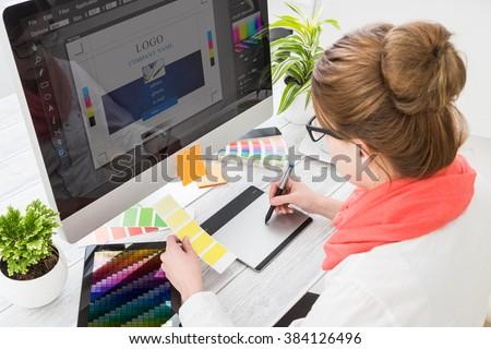 Nő grafikus designer pc számítógép dolgozik Stock fotó © deandrobot