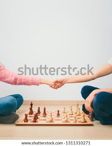 Schaken spel meisje jongen afgewerkt spelen Stockfoto © przemekklos