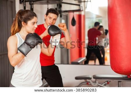 Geschikt vrouw boksen binnenshuis bodybuilding Stockfoto © Jasminko