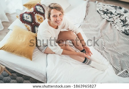 sexy · blond · meisje · bed · vrouw · verbazingwekkend - stockfoto © iordani