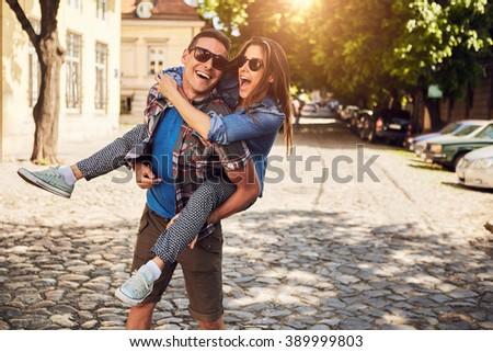 Portret gelukkig jonge man vriendin strand Stockfoto © wavebreak_media