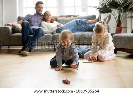 Boldog apa anya kicsi lánygyermek játszik Stock fotó © Lopolo