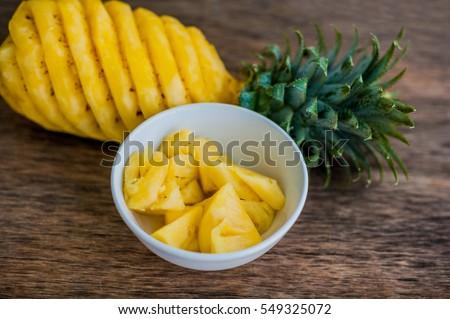 Ananas oude houten tropische vruchten achtergrond Stockfoto © galitskaya