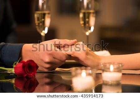 Romantica Coppia holding hands ristorante felice hotel Foto d'archivio © wavebreak_media