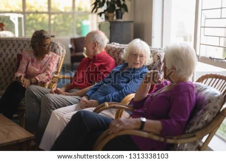 Yandan görünüş grup kıdemli arkadaşlar diğer huzurevi Stok fotoğraf © wavebreak_media