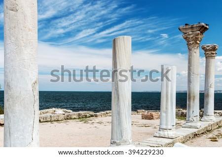 ősi görög bazilika márvány oszlopok égbolt Stock fotó © dashapetrenko