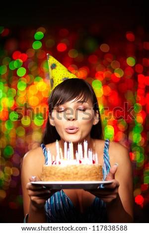 Imagem morena adulto mulher bolo de aniversário Foto stock © deandrobot