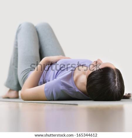 Portre genç fitness woman yoga mat egzersiz kadın Stok fotoğraf © HASLOO