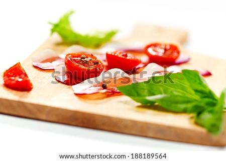 aszalt · koktélparadicsom · szalonna · felszolgált · tábla · szelektív · fókusz - stock fotó © dariazu