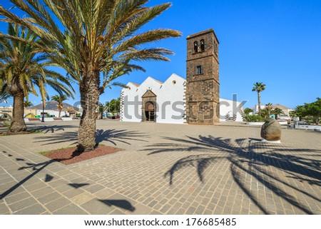 Típico canario estilo blanco edificio de la iglesia Foto stock © meinzahn