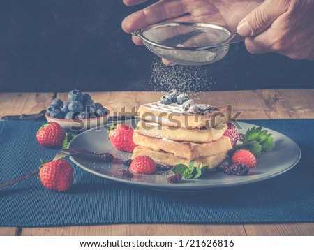België suiker poeder aardbeien keramische plaat Stockfoto © marylooo