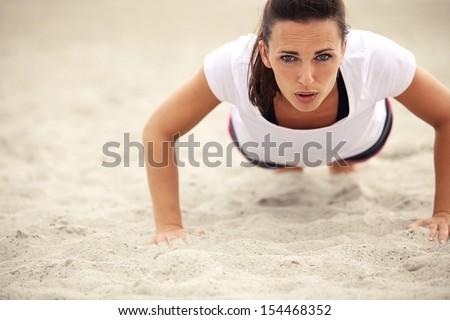 fitness · donna · kettlebell · fuori · crossfit · allenamento · della · forza · copia · spazio - foto d'archivio © freedomz