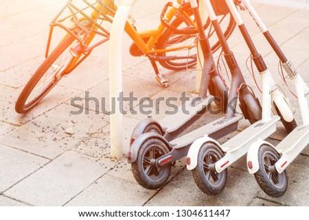 Elektromos mopedek bérlés városi szállítás osztás Stock fotó © galitskaya