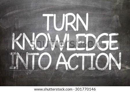 Drehen Wissen Maßnahmen Tafel motivierend zitieren Stock foto © tashatuvango