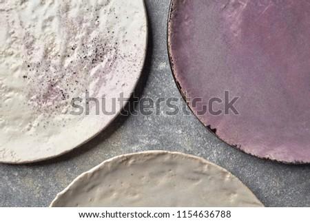 Vazio feito à mão prato cinza concreto Foto stock © artjazz