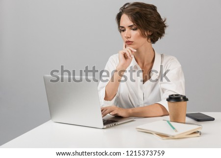 深刻 ビジネス女性 ポーズ 孤立した グレー 壁 ストックフォト © deandrobot